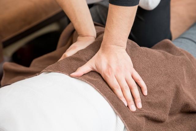 骨盤の歪みを整える施術で再発しにくい身体へ導きます